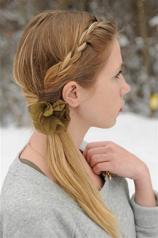 Simple Hairstyle for Medium Hair