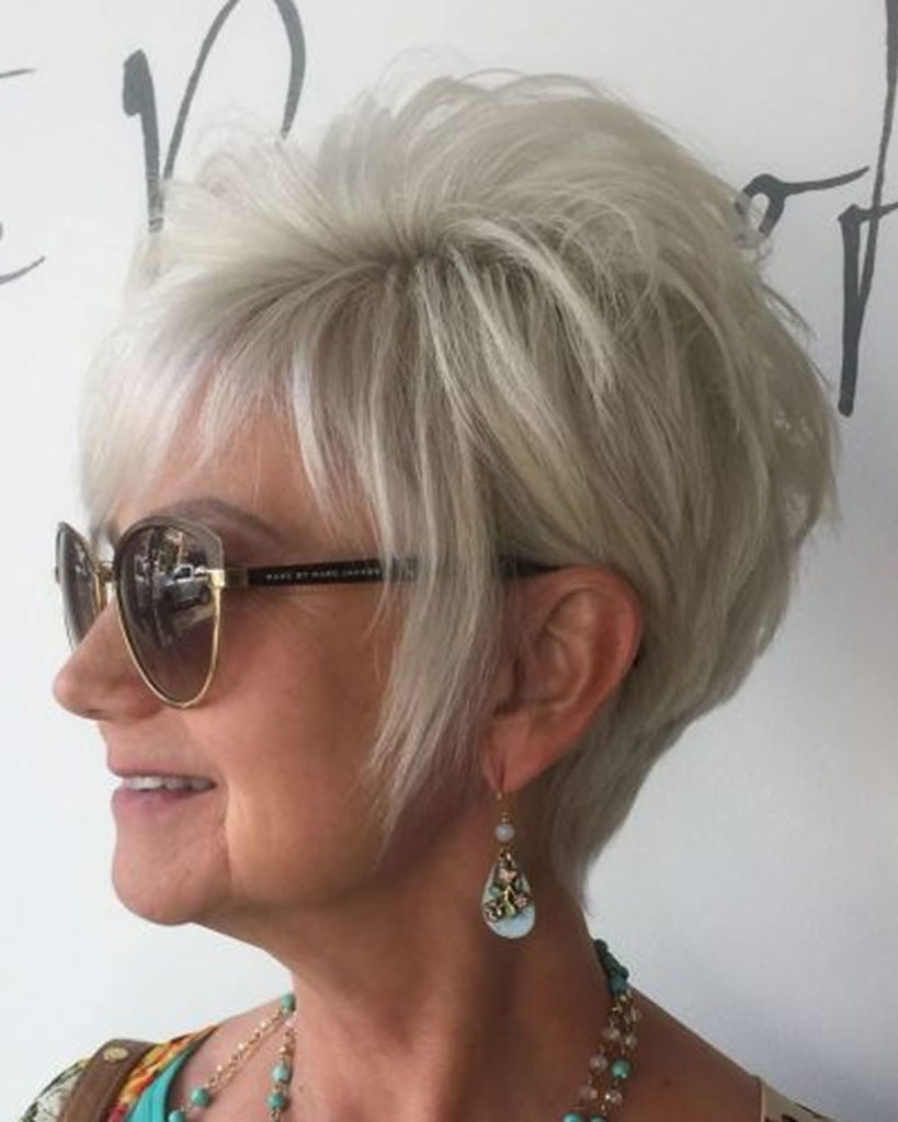 Short Summer Haircuts For Ladies 24