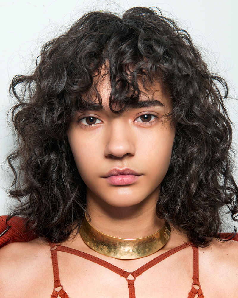 22 Urban Cool Curly Hairstyles With Bangs Haircuts