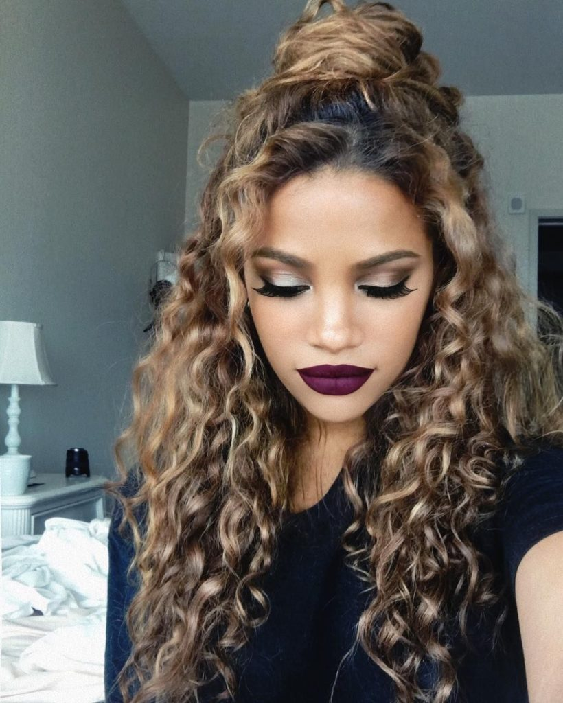 20 Cute Curly Hairstyles for Women , Haircuts \u0026 Hairstyles 2019