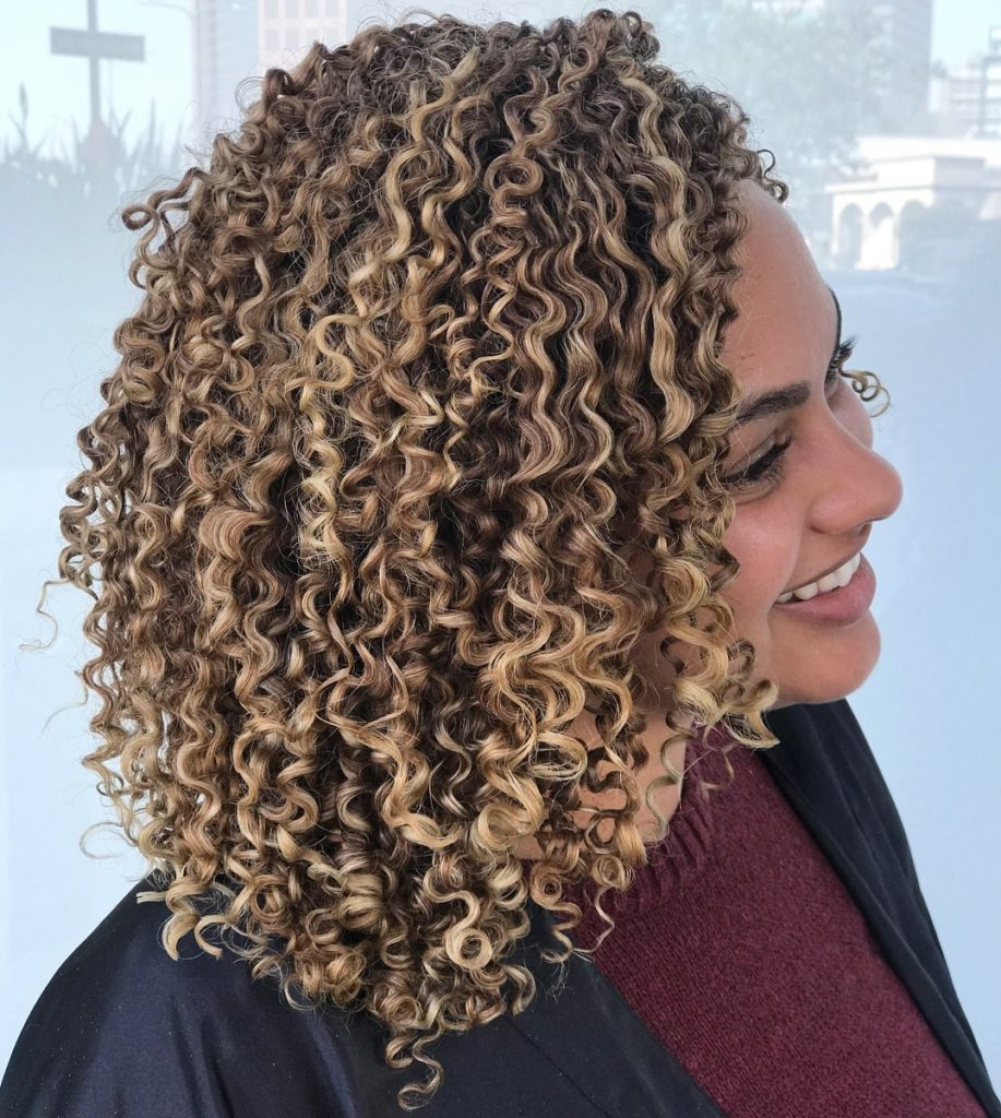 20 Cute Curly Hairstyles for Women - Haircuts & Hairstyles 2019