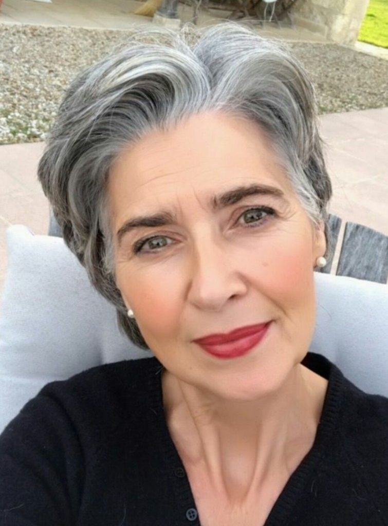 21 Glamorous Grey Hairstyles For Older Women Haircuts