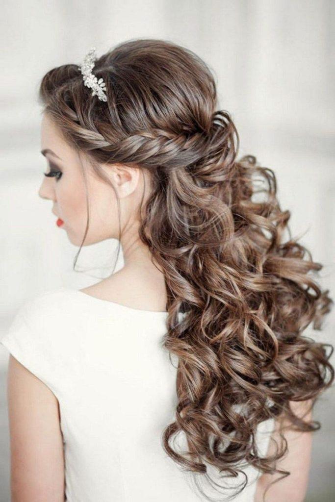 21 Ultra Modern Wedding Hairstyles 2020 - Haircuts ...