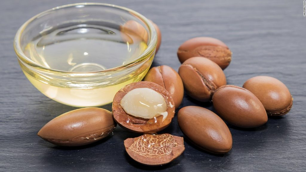 How to Use Argan Oil for Hair